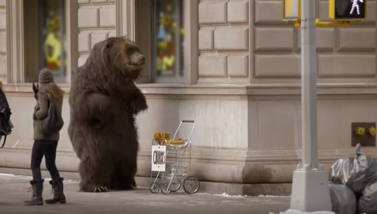 This is what will happen if you run into a bear on the street in NYC...