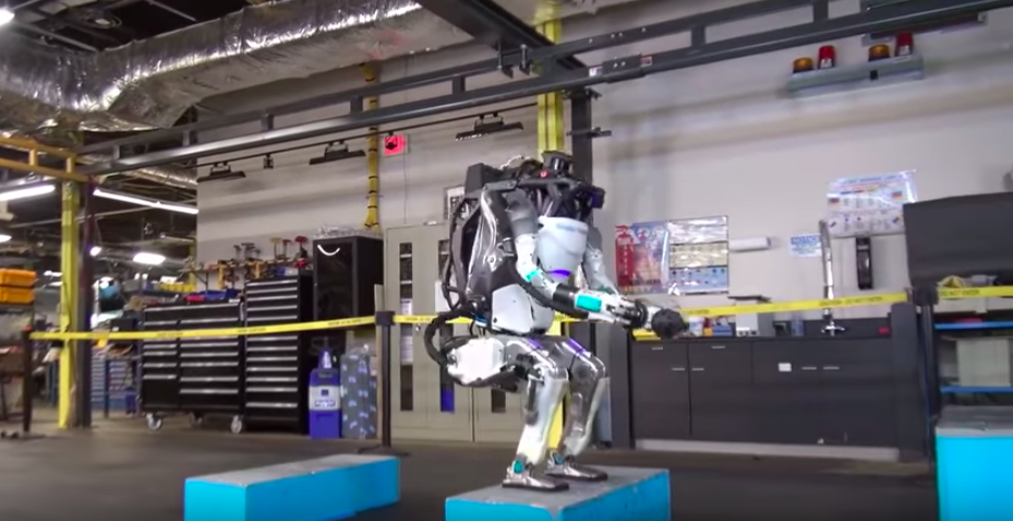 How flexible this robot is will completely shock you!