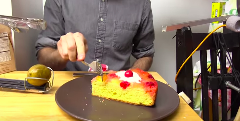 Hate waiting for dessert? This machine will serve you a cake right on time!